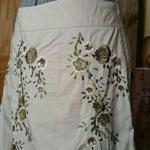 Stunning Talbots embroidered khaki skirt